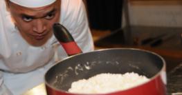 Reis im Kochtopf